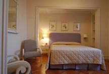 Florence: Apartments in historic centre - Residence / 12 apartments (including studio, two-room and three-room apartments) some with a view on the historic centre of Florence, for a comfortable stay in a nineteenth-century palace overlooking the Arno river on the Lungarno Serristori,