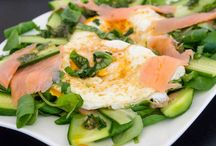 Gorgeous hair / Start your beauty routine from breakfast!  Try #spinach #salmon #egg #avocado #sunflowerseeds salad and give your scalp and hair a boost of proteins and omegas. And your skin will glow too!