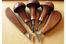 Peralatan tukang kayu