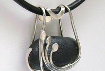 joyas que me encantan!-jewelery, which I love! / by Lily Villalba