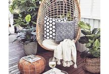 Outdoor cushions & decorations