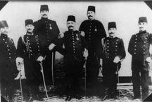 Atatürk ve dedem / Üst sıradan ilk kişi dedem Mehmet İhsan KURTKAN..