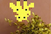 Animals / Square stickers inspired by pixel - stick them one by one and create your decoration!