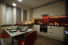 Сделано со вкусом: Кухня для авиаторов / Дизайн интерьера кухни выполнен дизайнером Ольгой Поваровой для бизнес-леди Светланы Котлуковой. Задача - создать современный интерьер кухни, разместить рабочее место и сделать пространство максимально функциональным и вдохновляющим.