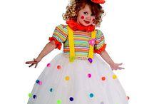 Clowns dress up
