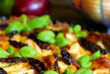 Suolaiset leivonnaiset, ruoat ja pizzat