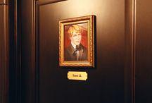 Номер Есенин / В номере Есенин нашей мини гостиницы «Невский 74» вы почувствуете себя великим лириком и патриотом.