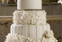 wedding cakes / by Missy Holbrook