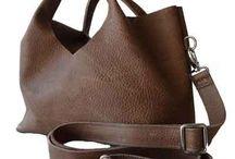 Tassencollectie / We hebben van verschillende kunstenaars prachtige tassen in de verkoop.