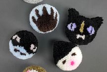 CRAFTS - POMPOMS PROJECTS / by Diane