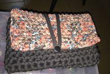 Handmades Namara / Clutches e hand bags de trapilho, só comecando