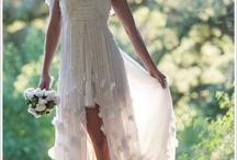 The Bride   Die Braut / wedding gowns, bridal styles, bride pictures   Hochzeitskleider, Brautstyling, Brautfotos / by Evet Ich Will