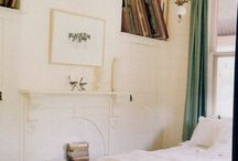 small bedroom / inspiration to make the most of limited space / by Tiffany Husband