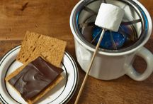 Tabletop cooking: s'mores / What could be more fun and delicious than making s'mores at home with your friends? Doing it on the table! ;) Check out www.thetabletopcook.com for more ideas!