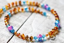 Baltic Amber for baby / Handmade Baltic Amber baby necklaces by Senerim. #BalticAmber #BalticAmbernecklaces #Babyteething #Teethingnecklaces #babygifts #Baptismgifts #FirstCommunion