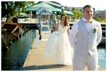 Bride & Goom Poses / Wedding poses, bride and groom poses, wedding photo ideas, bride and groom portraits