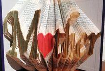 sculptura in carte / cadou unic, hand-made pentru persoanele dragi. Dimensiuni 20cm/13cm, se poate sculpta orice cuvant sau fraza, simbol.  Pretul incepe de la 60 lei.