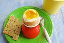 Healthy Breakfast Ideas / A place to collect healthy breakfast ideas - bonus points for quick and easy recipes!
