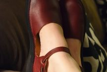 Shoes that come in a 5 / by Holly Stout