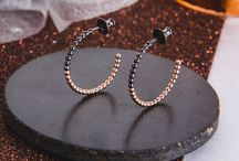 Beaded Jewellery / Two-tone Jewellery / Two-tone jewellery with a beaded finish. Fashionable two-colour jewellery.
