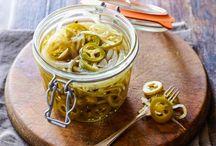 Easy Pickled Jalepanos