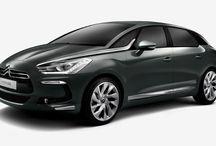 DS / La bellezza di un'auto che non dimentica il proprio favoloso passato declinandolo al futuro.