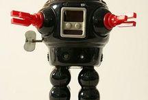 Robots / by Joyce Wan