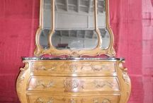 antique bedroom pieces