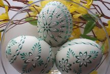 Easter: Pysanka/Madeira/Kraslice/Etched Eggs
