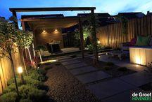 Tuinverlichting / Buitenverlichting in de tuin geeft een sprookjesachtig gevoel. Verlichting zorgt ervoor dat je 365 dagen per jaar kunt genieten van de tuin.