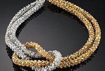biżuteria ( koralikowe sznury )