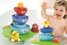 Awesome Bathtime Toys / Some experts say that a bathroom floor might just stay dry if these toys accompany little ones to the tub!