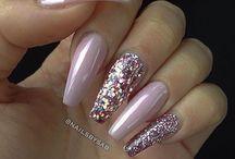 νυχάκια ροζ