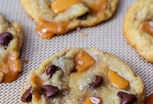 Cookies / by Joan Schmitt