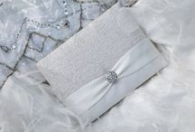 Zuri's Folio Invitations / Your guests will love our gorgeous folios.  They fully customizable to match your theme.