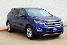 Ford Edge / The Ford Edge has been completely redesigned for 2015. The head turning exterior design meshes well with the comfortable interior and advanced technology. Test drive a new Ford Edge at Longhorn Ford.