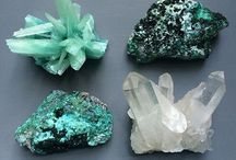 Green Crystals / Welcome to our board for Green Crystal Inspiration! Photo source info might have been changed/lost along the way. If a photo belongs to you, please let us know so we can offer credit! Shop Stone jewelry here: http://bit.ly/2r8JsMj