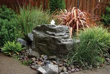Water feature-bubbling rock