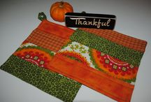 Thanksgiving Fall Quilted pot holders / Handmade hot pads and cloth napkins