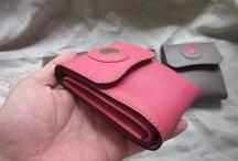 革 Leather / タイで革製品を作成しています。 I am making leather items in Thailand.