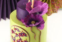Girl (figurines) cake