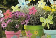 Feestje bloempot versieren