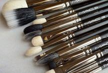 Makeup needs / by Alisa Macias