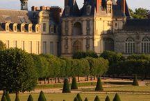 Chateaux / by Samuel De Moya III