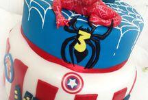 Spiderman e Supereroi Cake / Una festa molto richiesta e gradita ai maschietti: la festa a tema Uomo Ragno #Spiderman Cake ! e insieme a questo mitico personaggio perche' non unire anche tutti i Supereroi??.....www.torteamorefantasia.com