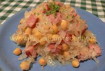 salaty a pomazanky