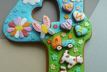 Oversized sugar cookies / by Jennifer Refior