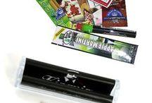 Papers & Blunts / Alles was sich um Tabak wickeln läßt.