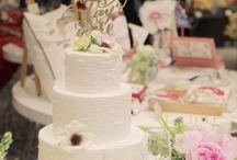 ケーキトッパー(Wedding&Birthday) / こちらのボードではEYMが販売しているオリジナルケーキトッパーのご紹介をしています♡木製のケーキトッパーは写真写りがよく高級感がありおしゃれな花嫁様にご好評いただいています♪デザインもフレーズも豊富にご用意してるので気に入るケーキトッパーをぜひ探してみてください!カスタムオーダーも承っているので世界に一つしかないお二人だけのケーキトッパーを作成することも可能です♪