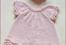 Strikkede baby/barneklær